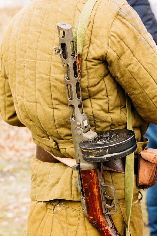 Download Telogreyka Sovjetisk Soldat Och Maskin Arkivfoto - Bild av rött, maskin: 106828820