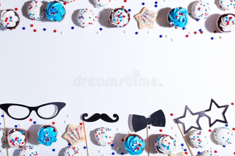 Tema americano di festa con i dessert immagini stock libere da diritti