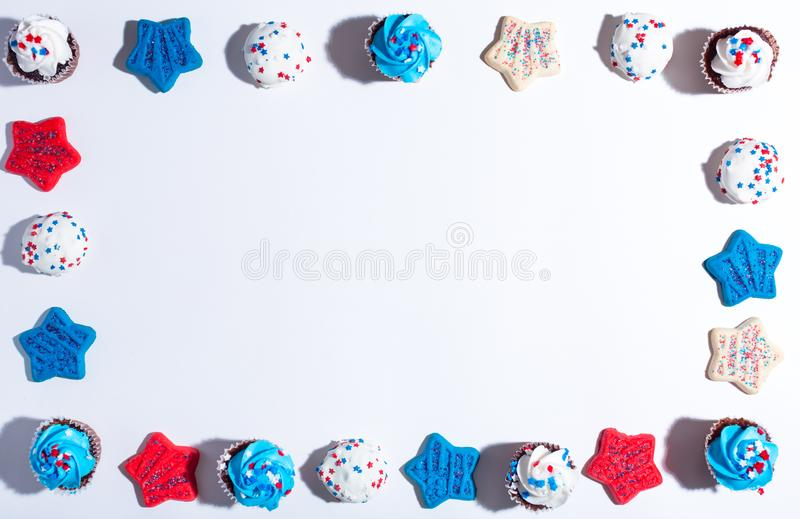 Tema americano di festa con i dessert fotografie stock