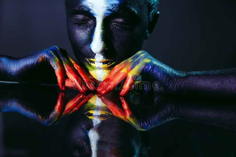 Tema creativo di body art di bellezza e di trucco fotografie stock libere da diritti