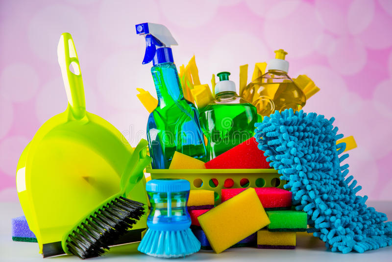 Tema da limpeza com material da limpeza fotografia de stock royalty free