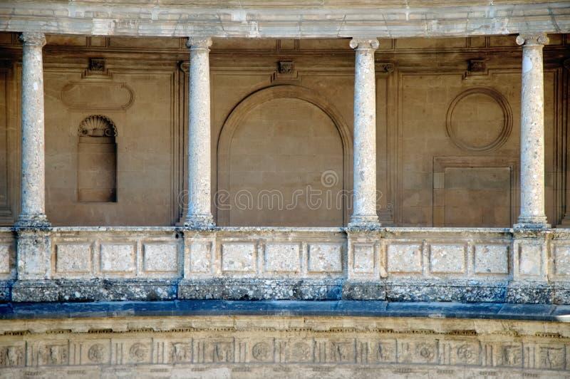 Tema de las columnas, Alhambra, Grana imagenes de archivo