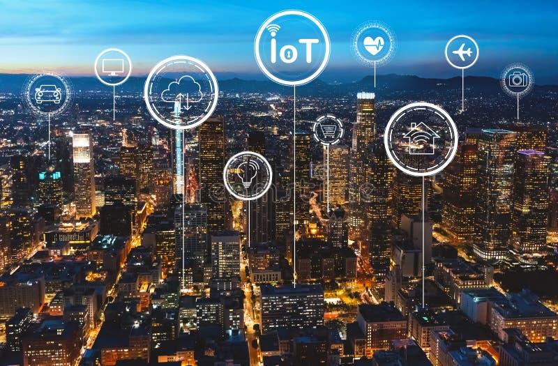 Tema di IoT con Los Angeles del centro illustrazione di stock