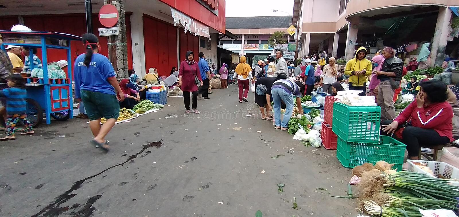 Temanggung central java indonesia, july 25, 2020 : Morning atmosphere in a traditional market. royalty free stock image