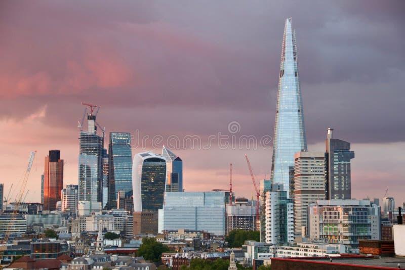 Tempête à Londres au-dessus de la ville photographie stock
