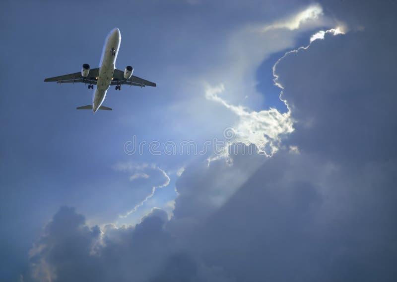 Tempête d'avion de ligne à réaction d'Airbus images libres de droits