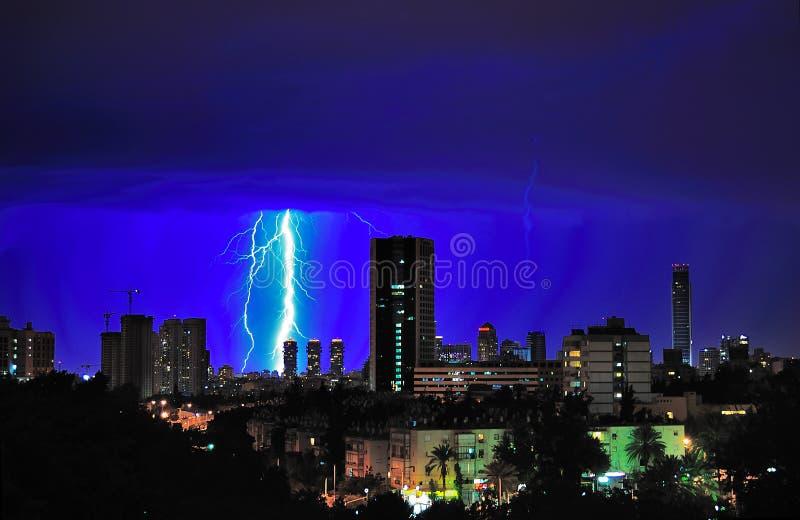 Tempête de foudre de Tel Aviv, Israël photographie stock libre de droits
