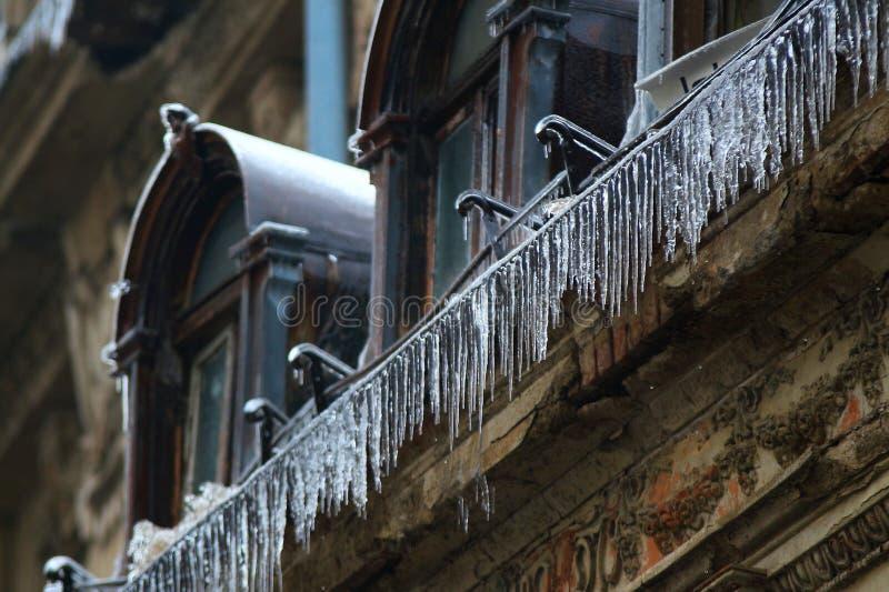 Tempête de pluie verglaçante d'hiver, à Bucarest, la Roumanie photographie stock libre de droits