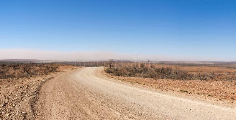 Tempête de sable sur l'Australien à l'intérieur photographie stock