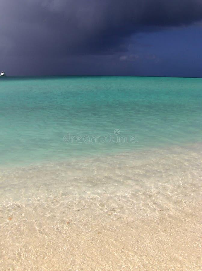 Tempête et bateau photographie stock