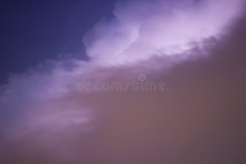 Tempête foncée de ciel et de nuage photos libres de droits