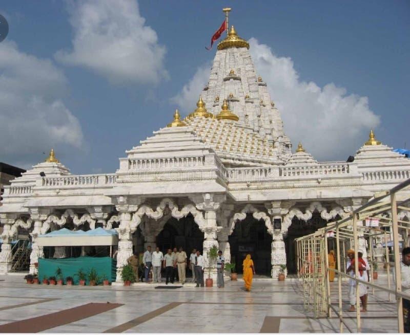 Tempal indisk tempal och indisk gud arkivbilder