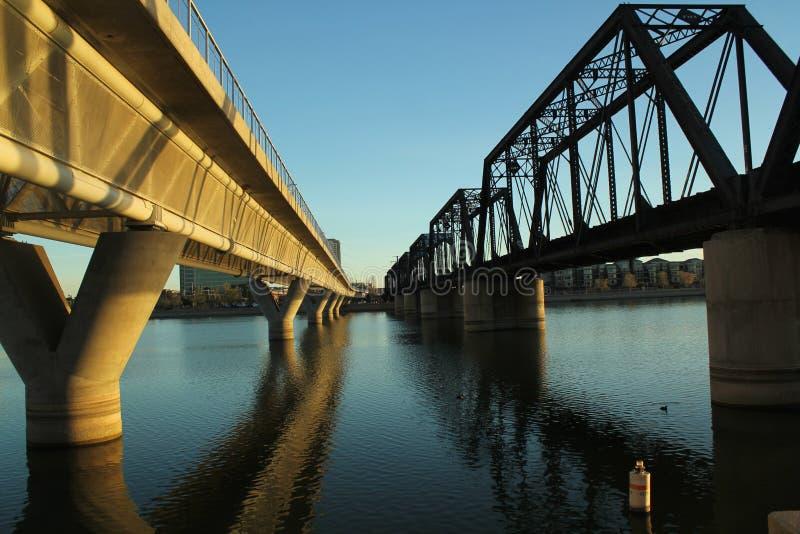 Tempe Grodzcy Jeziorni Kolejowi mosty, Arizona fotografia royalty free