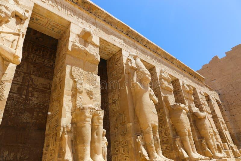 Tempel - Ägypten lizenzfreie stockfotos