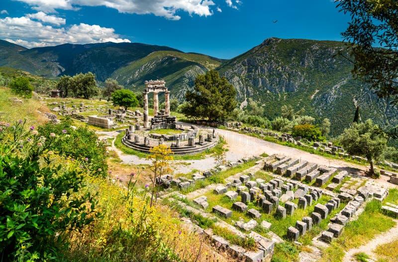 Tempel Athena Pronaia in Delphi (Griechenland) lizenzfreie stockbilder