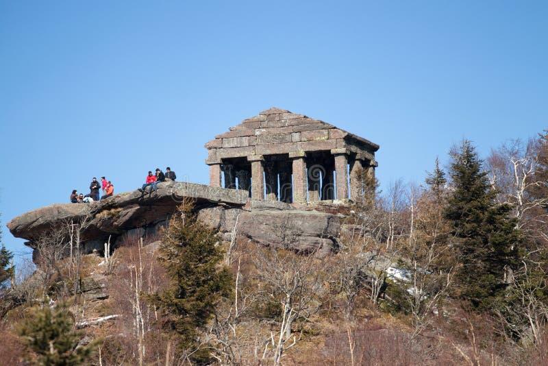 Tempel auf Donon-Berg stockbild