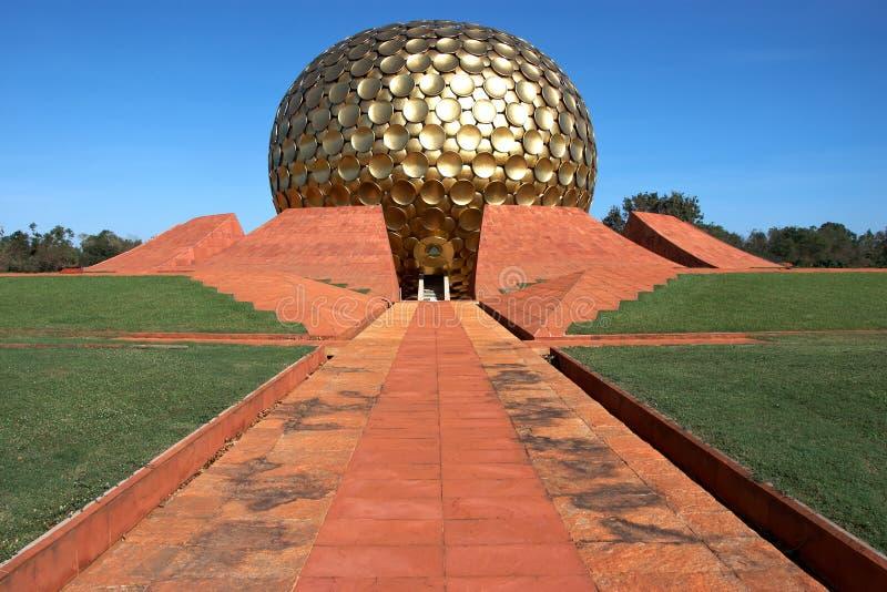 Tempel in Auroville, Indien lizenzfreie stockfotos