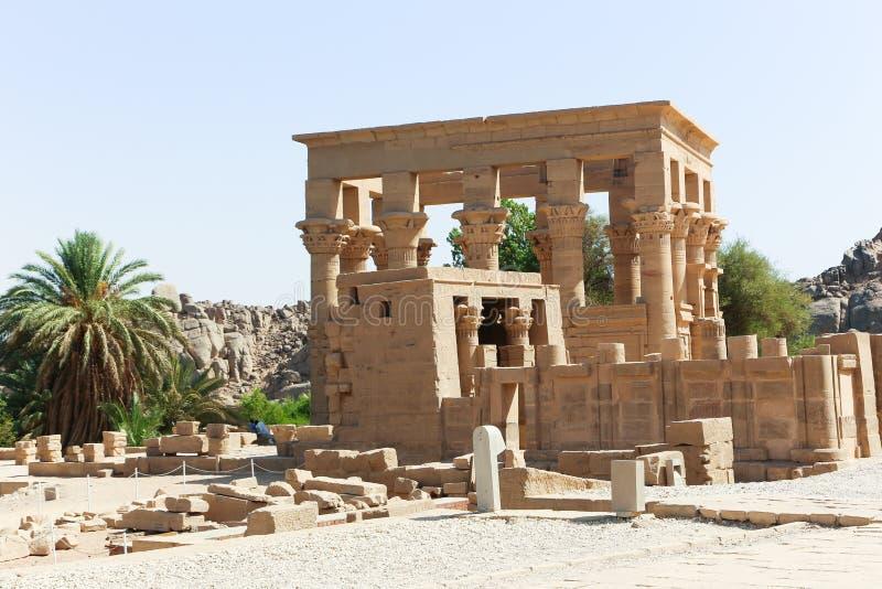 Tempel av den Horus guden på den Philae ön - Egypten royaltyfri foto