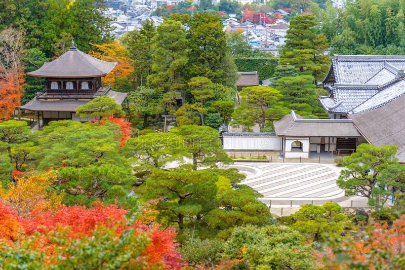Tempel av försilvrapaviljongen i Kyoto, Japan arkivbild
