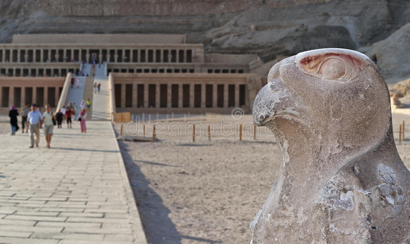 Tempel av Hatsepsut i dalen av drottningar arkivbild