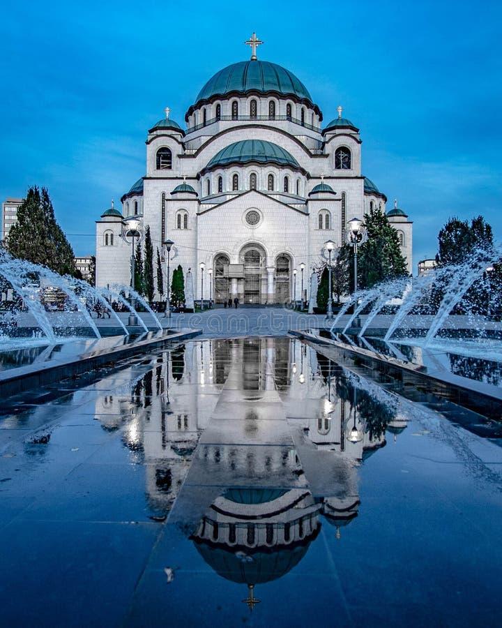 Tempel av helgonet Sava i Belgrade arkivbild