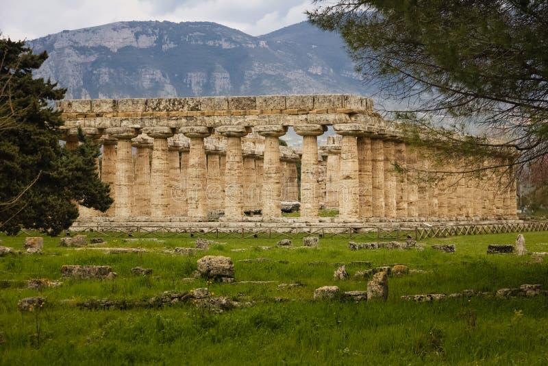 Tempel av Hera Paestum salerno Campania italy royaltyfri fotografi