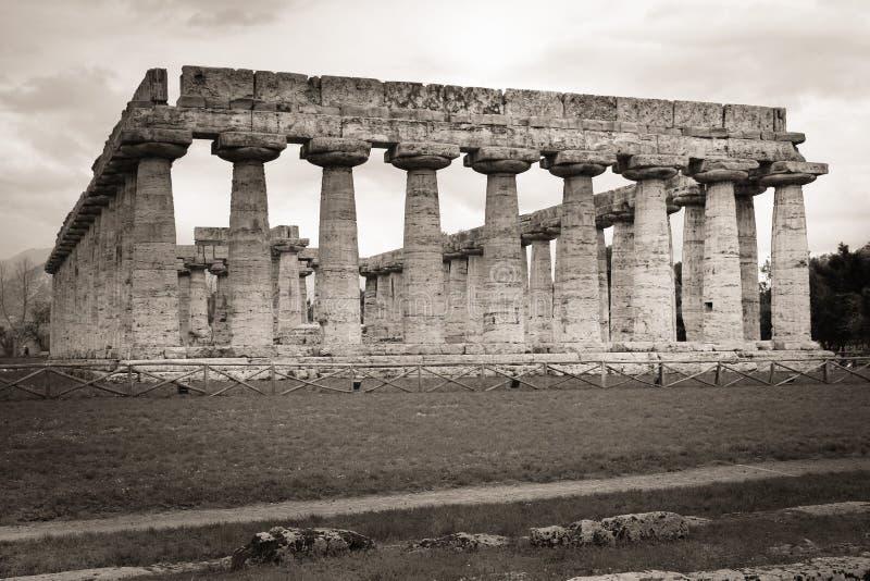 Tempel av Hera Paestum salerno Campania italy arkivbild
