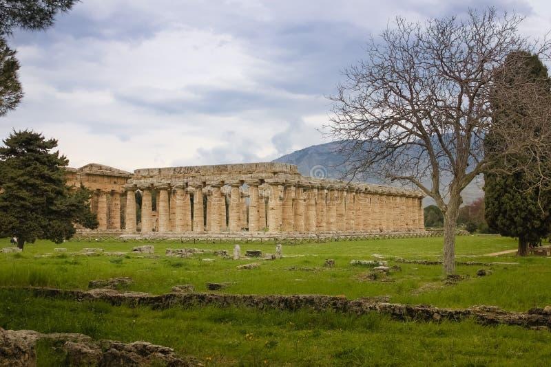 Tempel av Hera Paestum salerno Campania italy royaltyfri foto