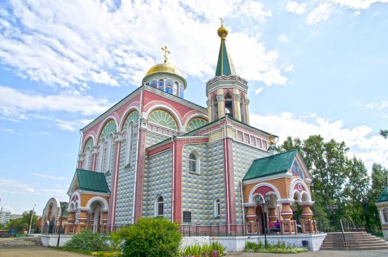 Tempel av Jämlike-till--apostlar Constantine och Helena Abakan Ryssland royaltyfri bild