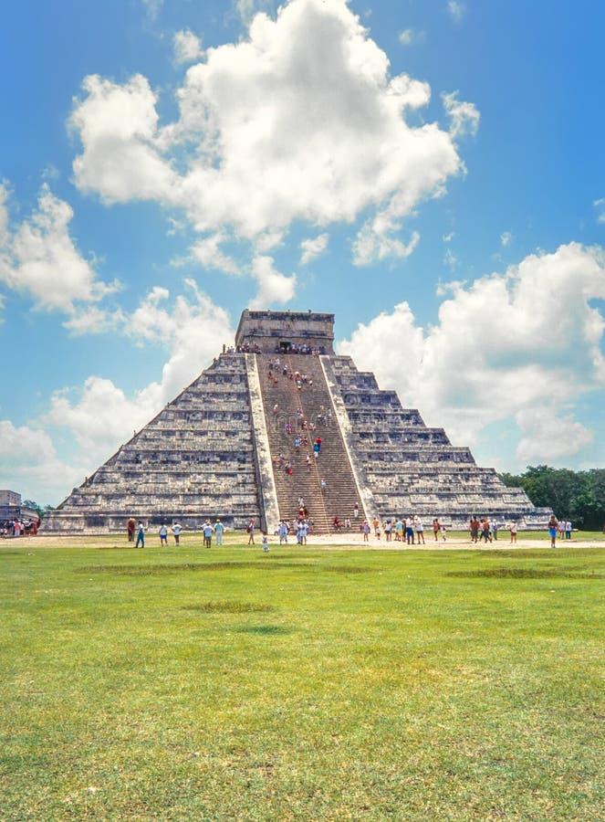 Tempel av Kukulkan, pyramid i Chichen Itza, Yucatan, Mexico royaltyfria bilder