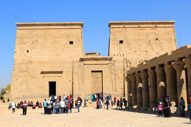 Tempel av Philae som är hängiven till gudinnaIsisen royaltyfri foto