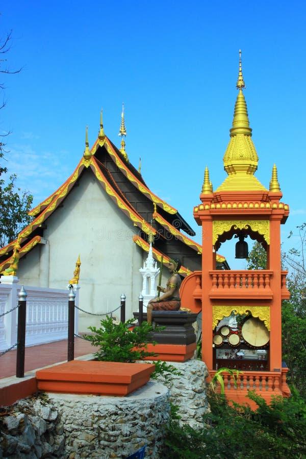tempel av Thailand byggde med tro fotografering för bildbyråer