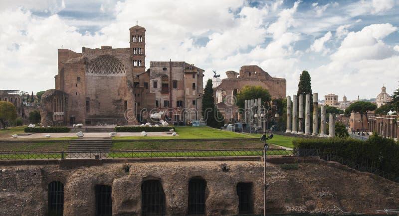 Tempel av Venus och Roma royaltyfria bilder