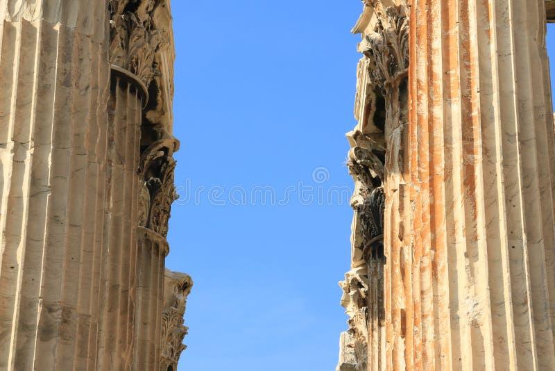 Tempel av Zeus - Aten - detaljer av kolonner arkivfoto