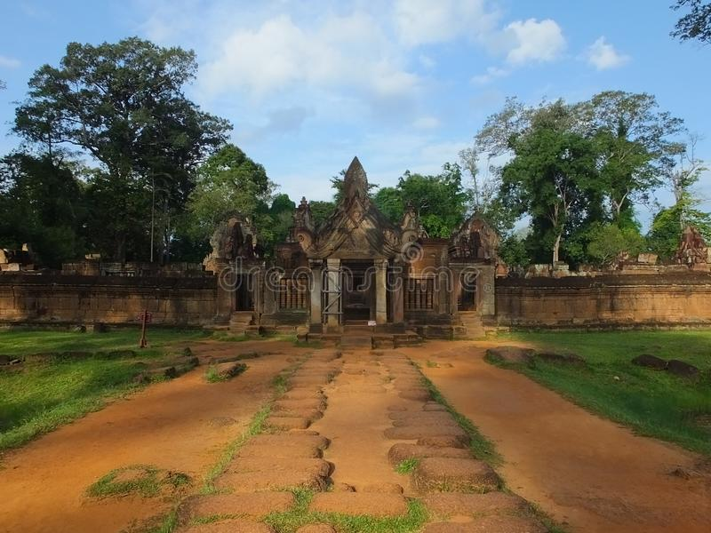 Tempel Banteay Srei in Angkor wat, Cambodia royalty free stock image