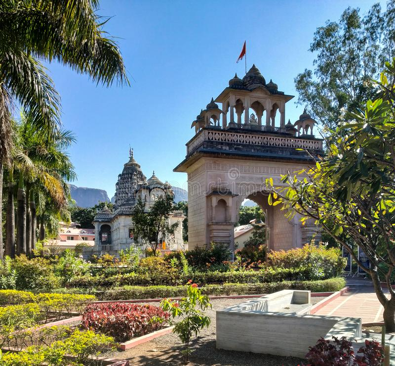 tempel bij tryambak nashik India stock foto's