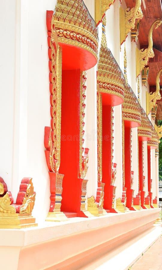 Tempel in Chanthaburi, Thailand, een gebouw toegewijd die aan de verering, of als woningsplaats, of andere voorwerpen van religio stock foto