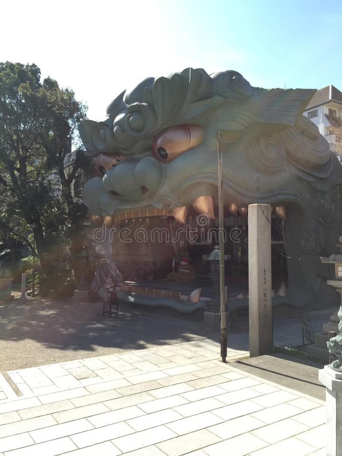 Tempel in de stad royalty-vrije stock fotografie