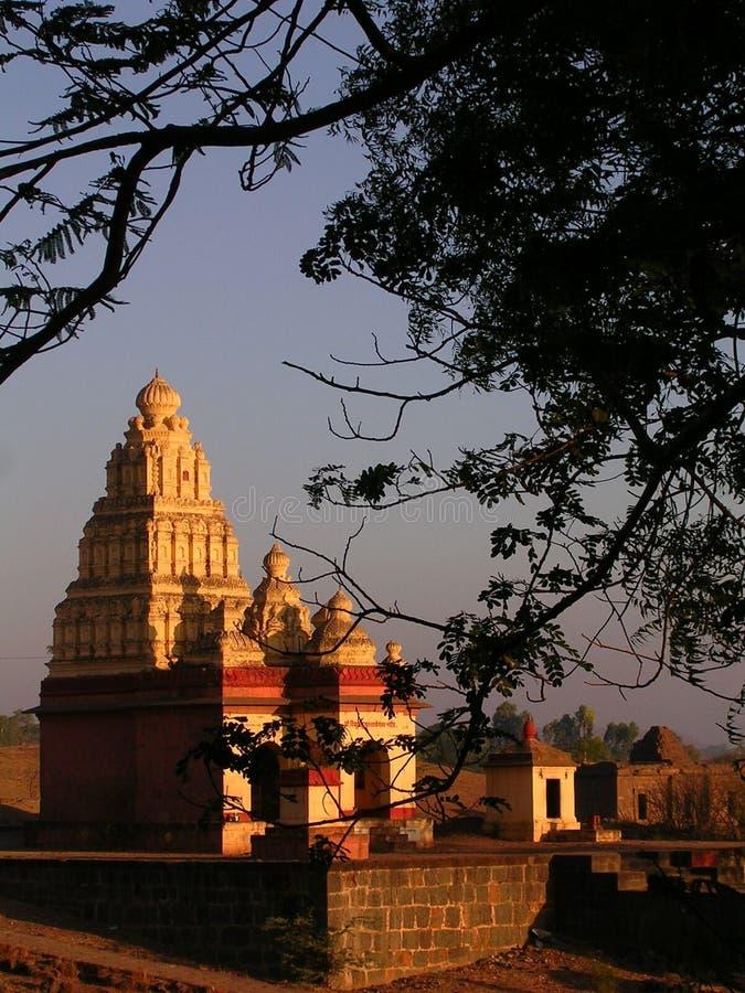 Tempel an der Dämmerung stockbild