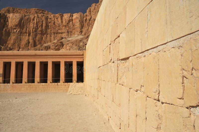 Tempel der Königin Hatshepsut lizenzfreie stockfotos