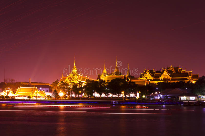 Tempel der Smaragdbuddha-Leuchte stockfotografie