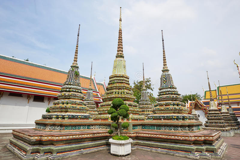 Tempel des stützenden Buddhas in Bangkok lizenzfreies stockbild