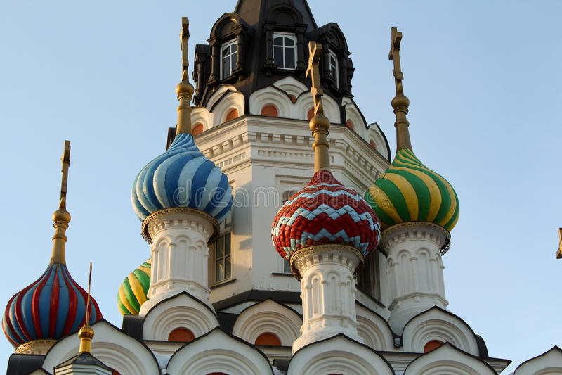 Tempel do telhado do detalhe em Saratov imagem de stock royalty free