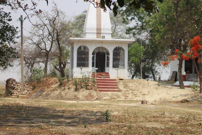 Tempel in dorpsbehang stock foto's