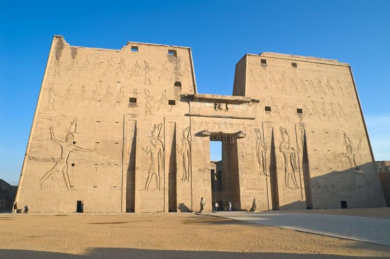 tempel för edfuegypt horus royaltyfria foton