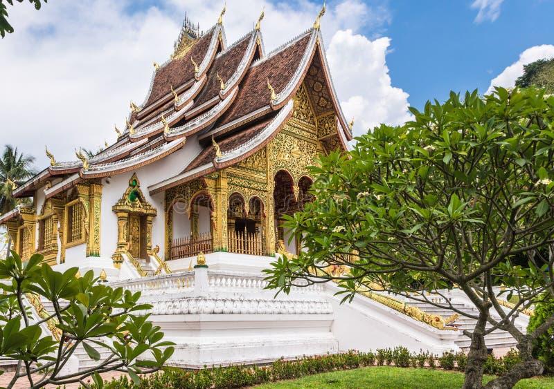 Tempel för hagtornPha smäll i Luang Prabang i Laos arkivbilder