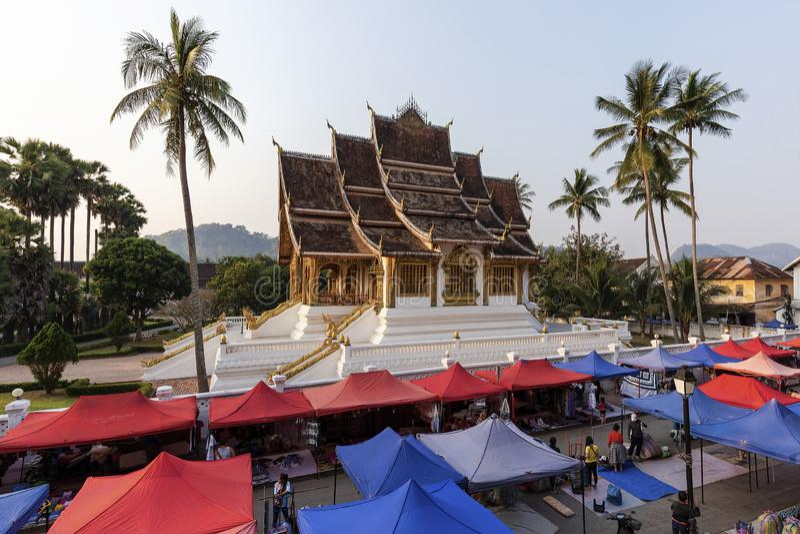 Tempel för hagtornPha smäll, Luang Prabang, Laos royaltyfri fotografi