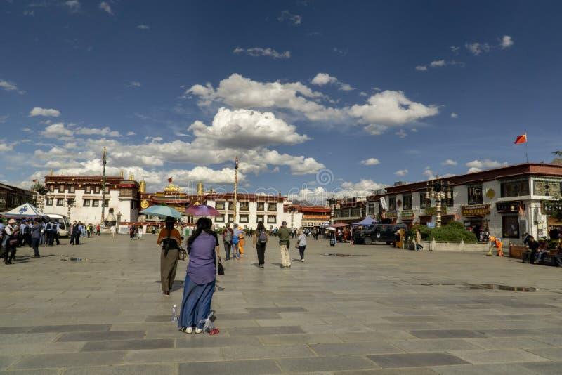 Tempel för Lhasa gamla Tibet nu Kina, Barkhor gata- och Jokhang arkivfoton