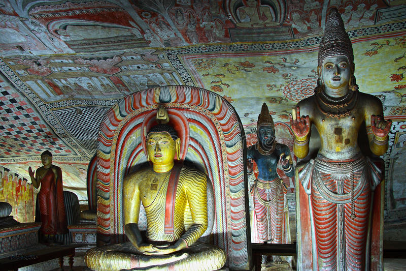 tempel för sri för grottadambullalanka royaltyfria foton