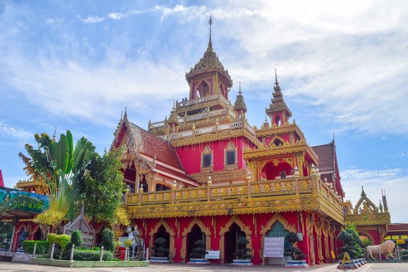 TEMPEL för WAT PHRATHAT RUENG RONG i SISAKET, THAILAND arkivfoto